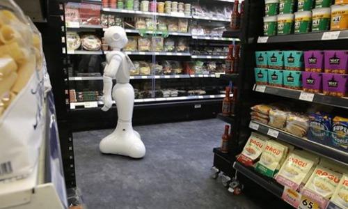 robot in supermarket